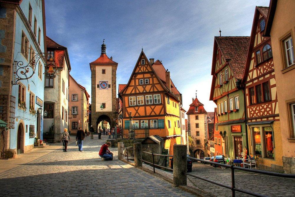 Prag je izgleda jedini grad u kome su Picasso-ve kubističke ideje primenjene u arhitekturi