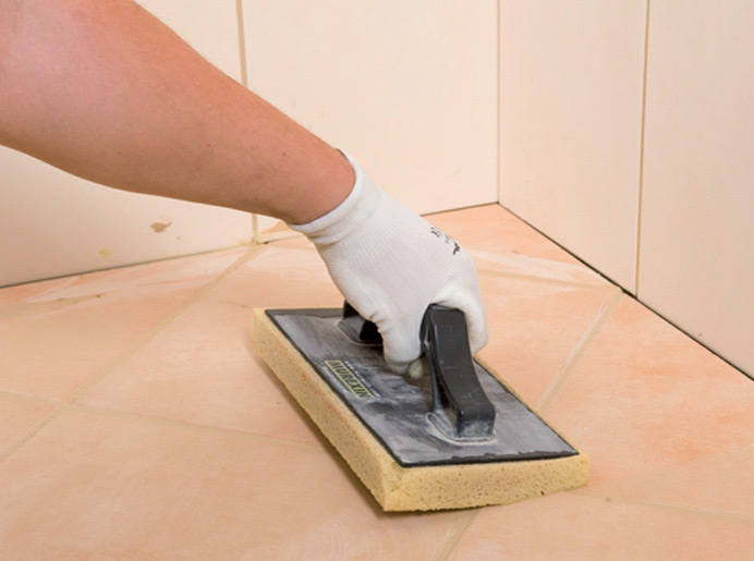 Fugovanje podnih keramičkih pločica