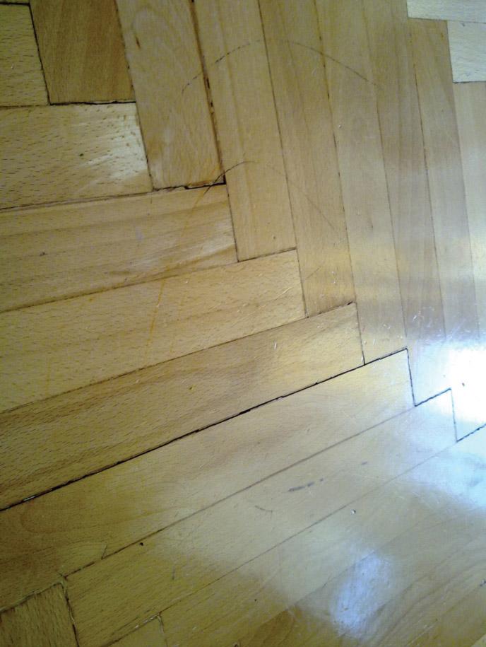 Deformacija parketa – pojava fuga na spojevima dašćica