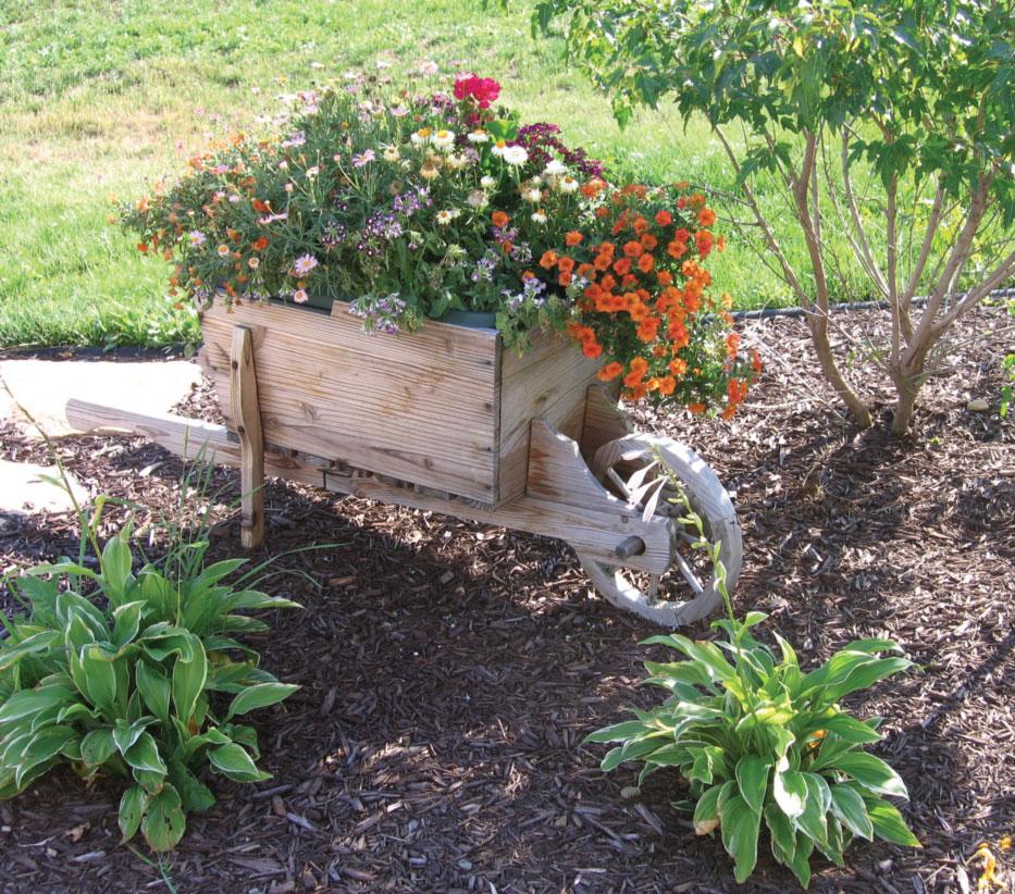 Uređenje dvorišta i bašte postavljanjem malča