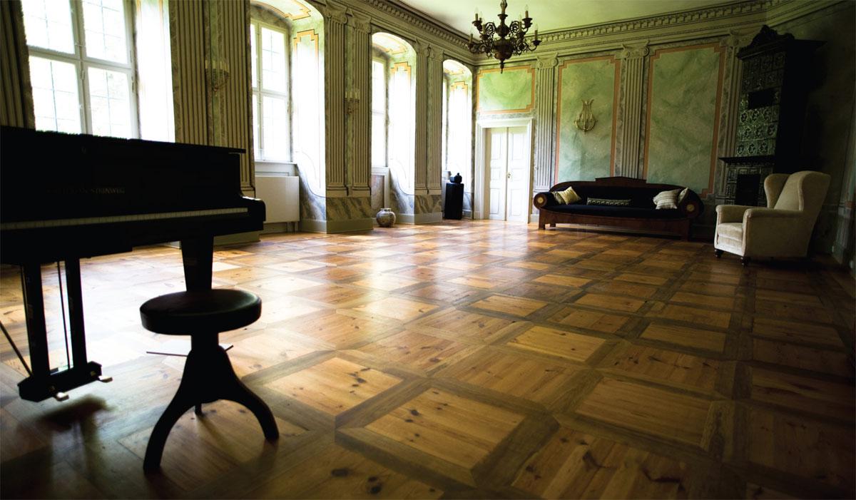 Plesni podovi kroz istoriju