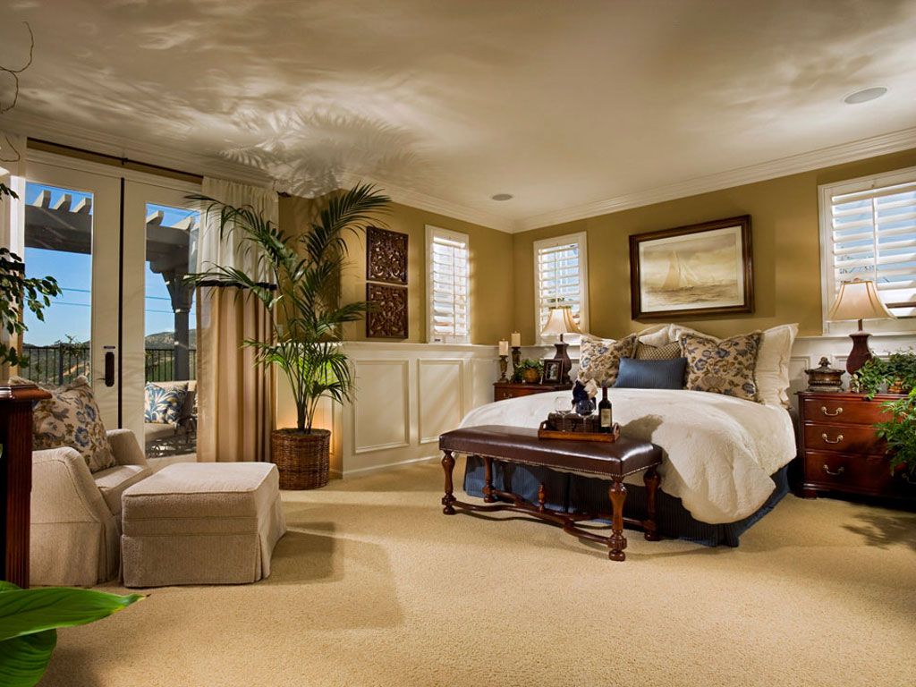 Luksuzna spavaća soba sa drvenim nameštajem