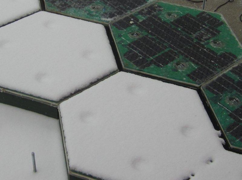 Paneli sa napajanjem su bez snega i leda