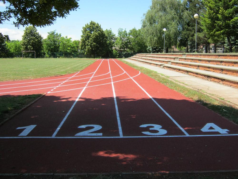 Izrada sportskih gumenih podloga od tartana, za otvorene, zatvorene sportske terene kao i za atletske staze