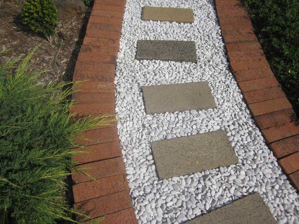 Poslednjih nekoliko decenija javile su se i cigle koje se ne izrađuju od gline već od drugih materijala – kalcijum-silikata i betona