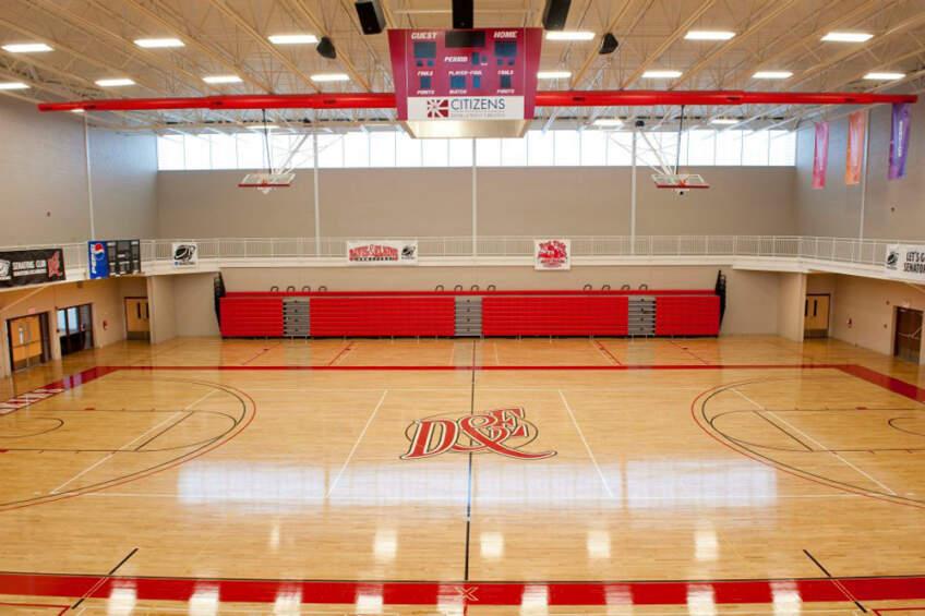 Pod u hali u kojoj se vežba ili takmiči je najbitniji deo čitavog sportskog objekta