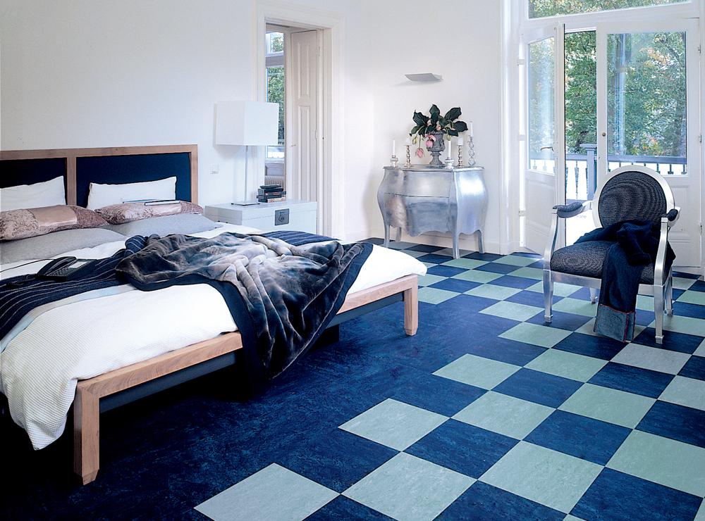 Postoji nekoliko varijanti podnih obloga u boji koje možete upotrebiti u svojim domovima ili poslovnim prostorima