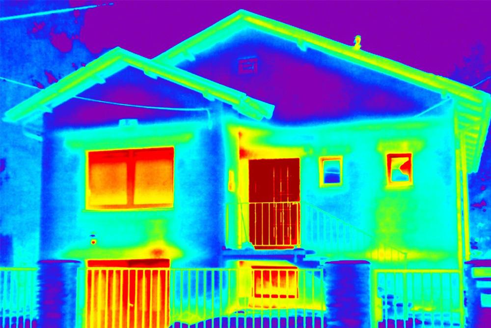Materijal akumulira višak toplote u toku dana i oslobodi ga u večernjim satima