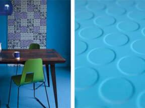 Moderan izgled recikliranog poda od gume u dnevnoj sobi