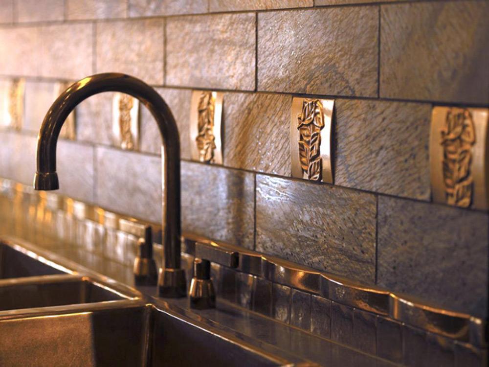 Pločice od nerđajućeg čelika u kuhinjama