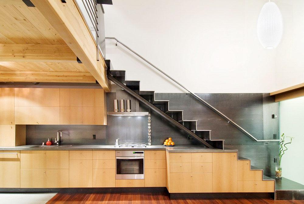 Stepenice izrađene od metala i stakla, čak i plastike