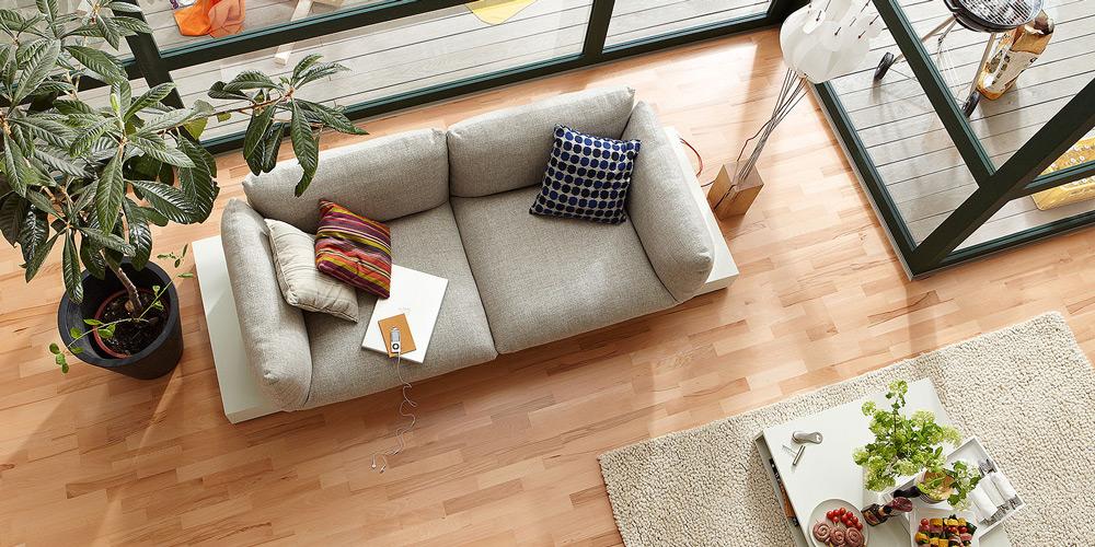 Udobnost i luksuznost lakiranog poda