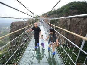 Otvoren najduži stakleni most na svetu