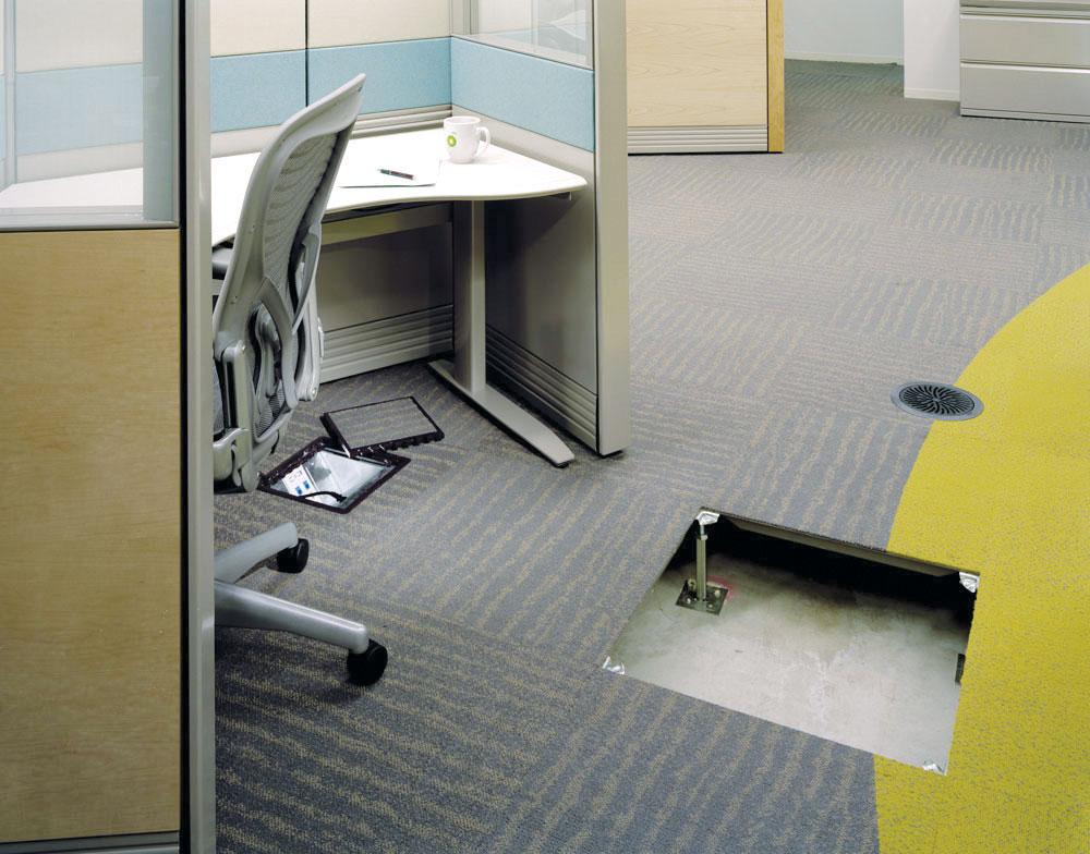 Kod poda koji se postavlja iznad zemlje ili gole ploče tj. podloga koje nisu stabilno suve, obavezno treba položiti hidroizolaciju