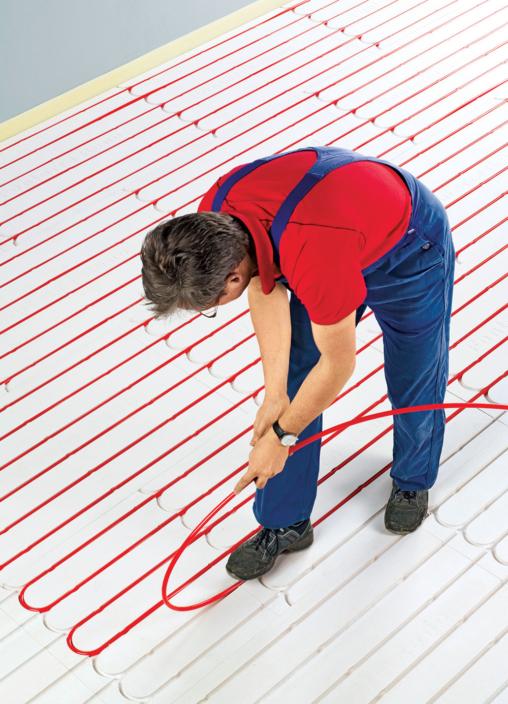 Osnova za izračunavanje podnog grejanja je potrebna toplota, odnosno energija potrebna za zagrevanje jedne prostorije
