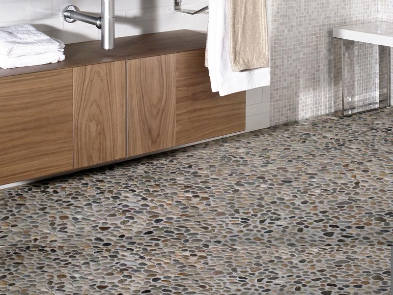 Betonirano kamenje i šljunak će se posebno lepo uklopiti u kupatilu