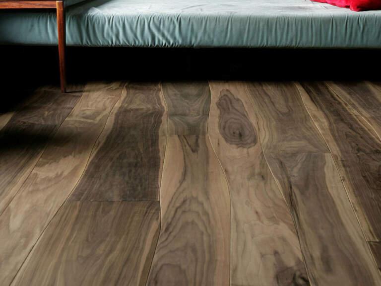 podovi od prirodno oblikovanog drveta