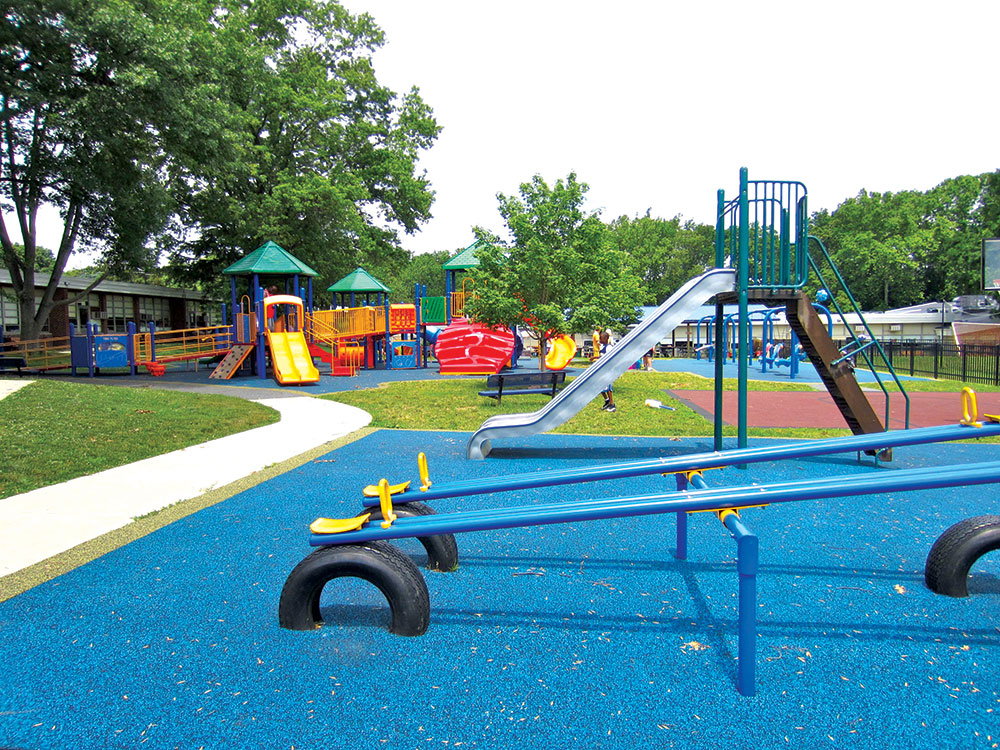 Bezbednost-na-prvom-mestu-podovi-u-decijim-igraonicama