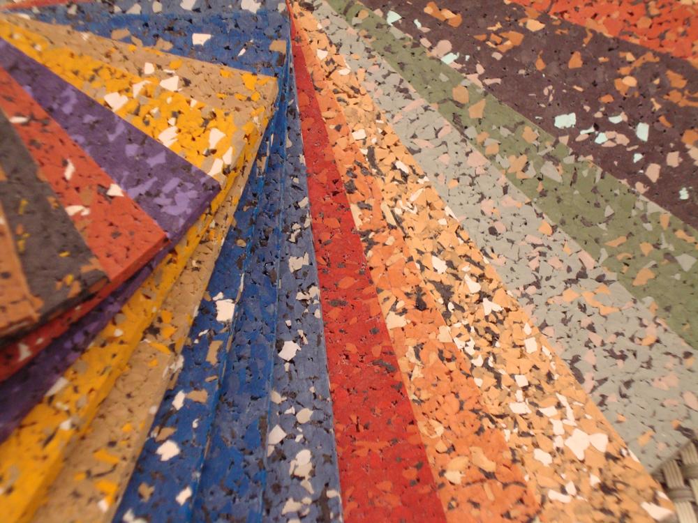 Šareni dizajn podova od recikliranih guma