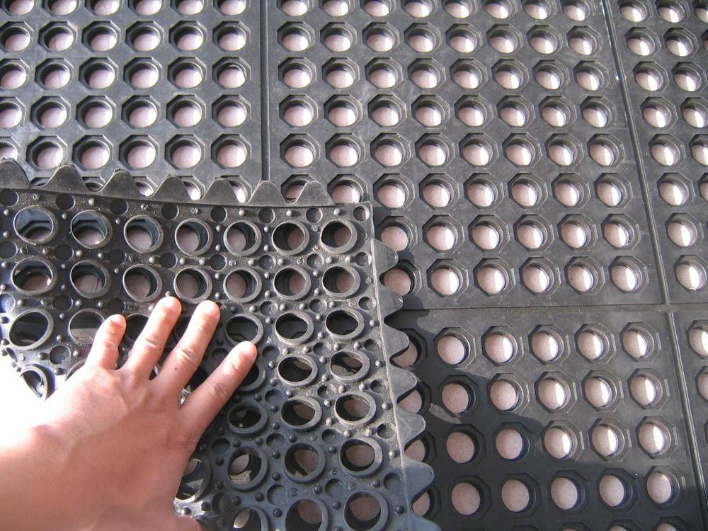 Anti-slip gumene patosnice