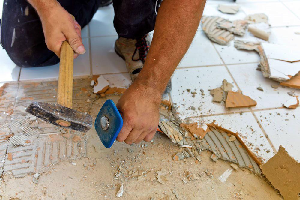 Odlepljivanje pločica zbog neadekvatnih materijala za postavku pločica