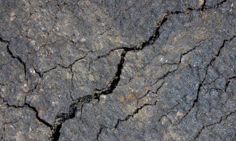 Pukotine i prsline u asfaltu