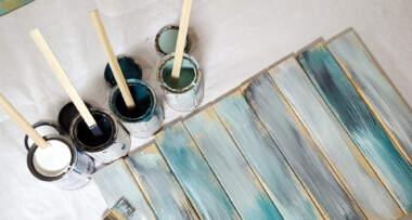 Nanošenje boje na drvene daske poda
