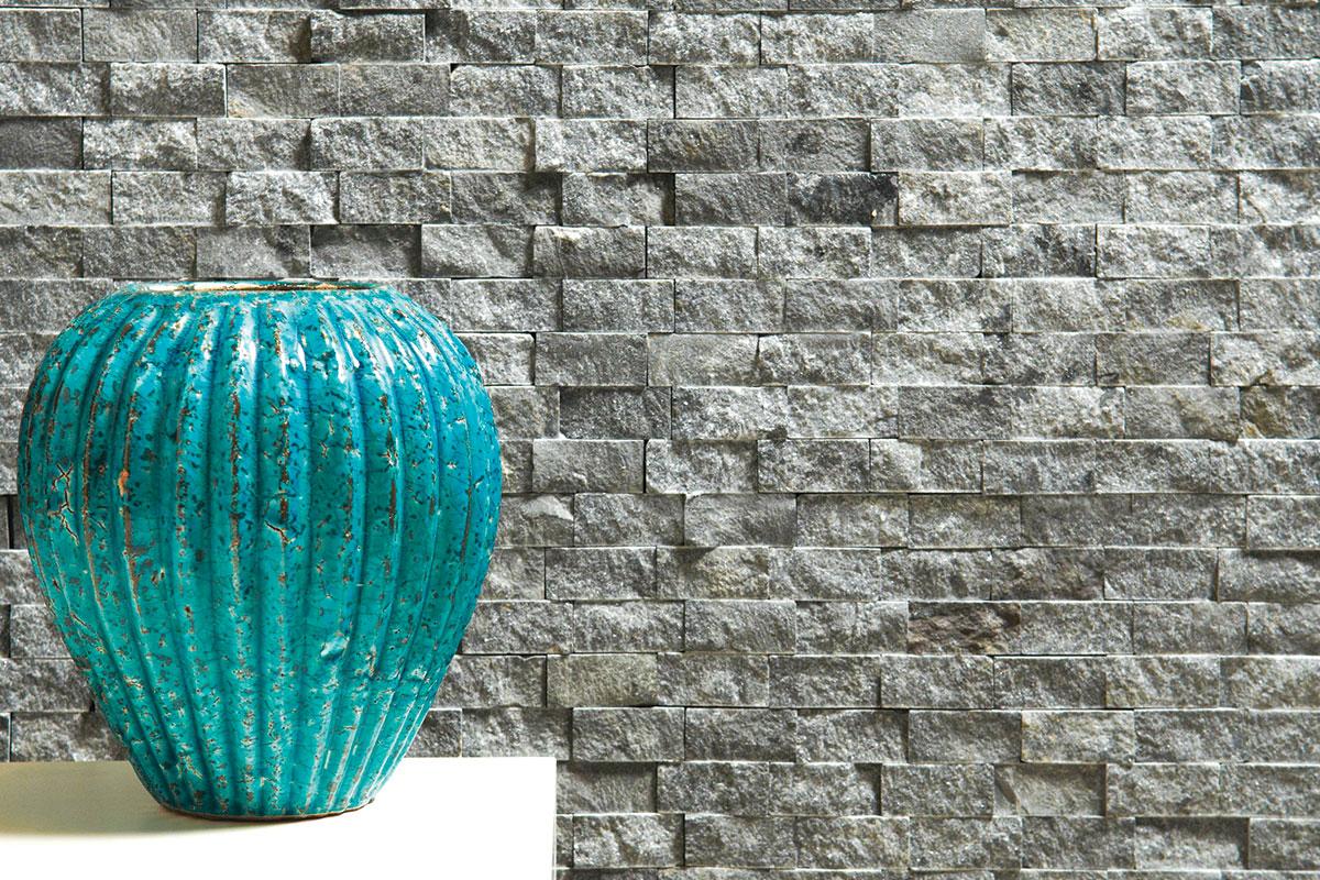 Pločice od kamena na zidu