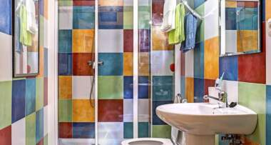 Lakiranje pločica u kupatilu