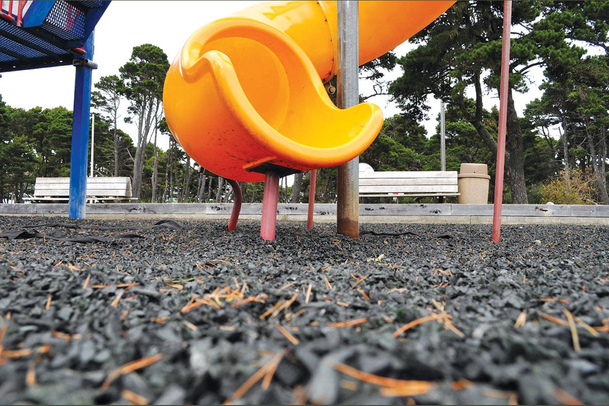 Podna obloga reciklirana guma za dečije igralište