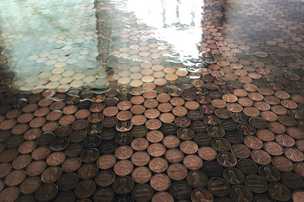 Podni mural od 13.000 novčića