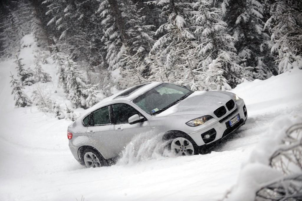 Auto mora biti opremljen zimskom opremom