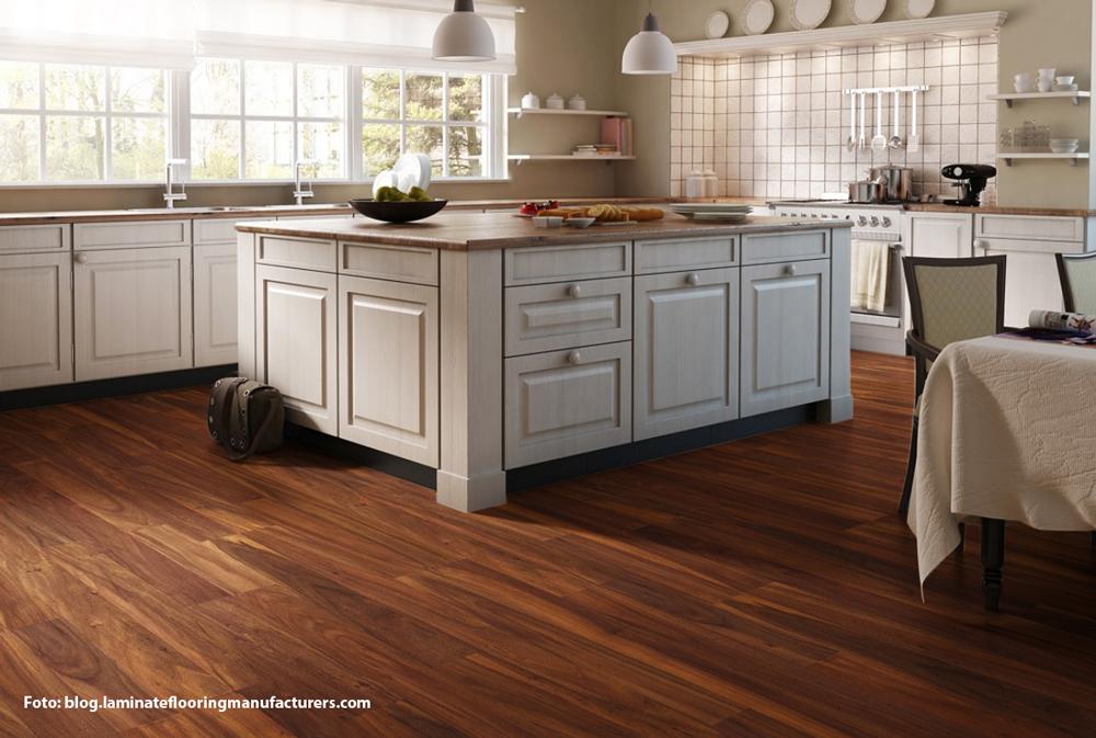 Laminatni pod u kuhinji