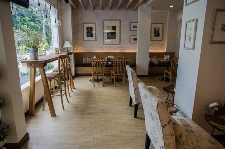 Tradicionalni izgled enterijera jednog kafića