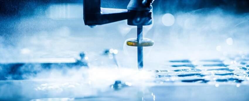Water jat -mašina za kontinuirano sečenje keramike i granita