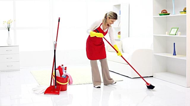 Da biste zaštitili podove jednostavno ih prebrišite kombinacijom voska i sredstva za čišćenje podova