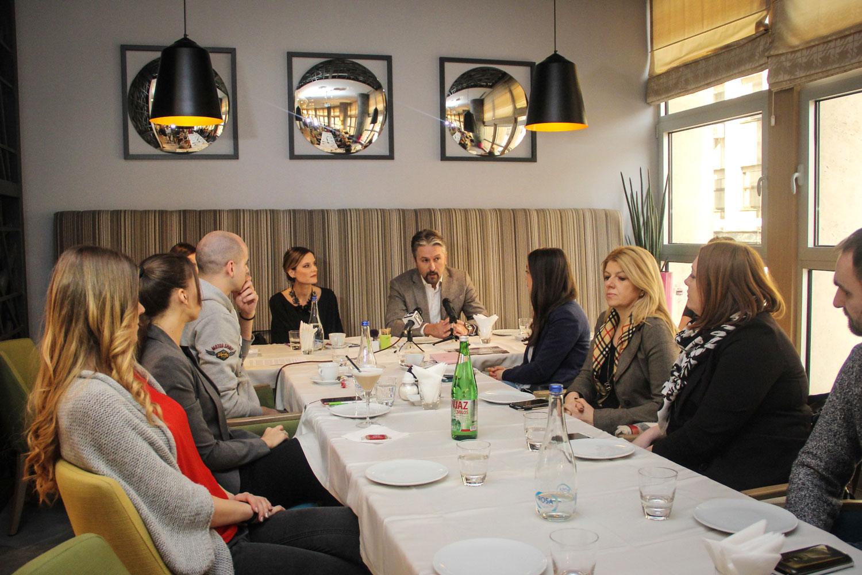 Foto: doručak generalnog direktora Đoke Janjuševića sa novinarima