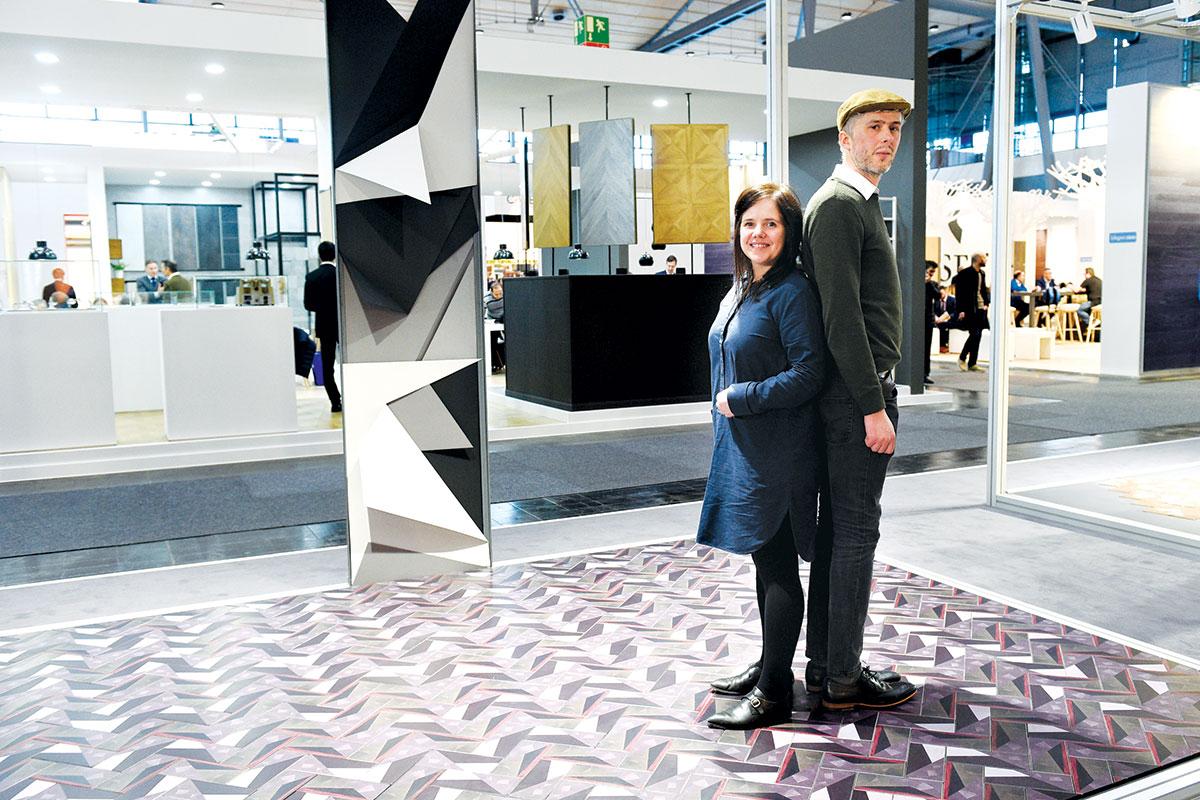 """Young Designer Trendtable - identifying trends: pet ambicioznih dizajnera i Stefan Diez razvili su dizajn podnih obloga za DOMOTEX 2017. Na fotografiji: Jane Briggs i Christy Cole iz """"Briggs&Cole"""", Škotska"""