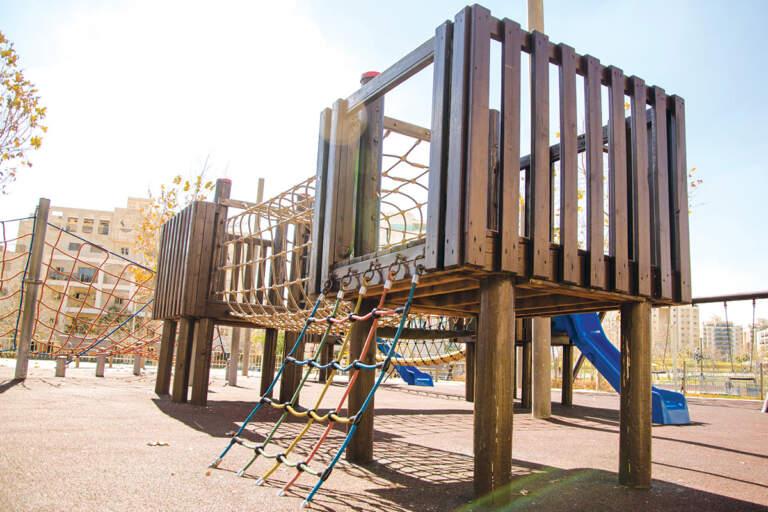 Reciklirana guma - bezbedna podna obloga za dečija igrališta