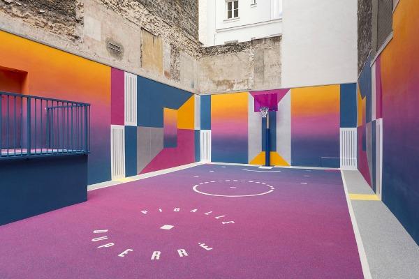 teren je delo francuskog modnog brenda Pigalle i dizajnerske agencije Ill-Studio