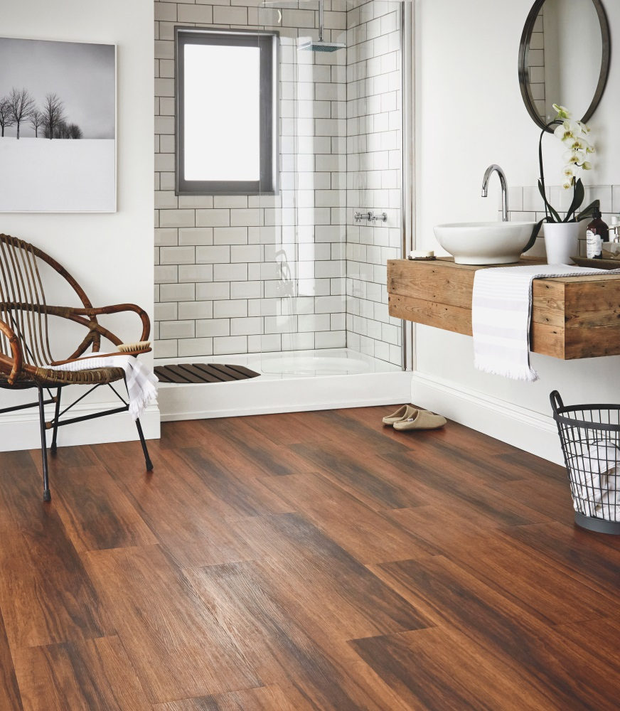 Podovi od tvrdog drveta su popularni materijali za podne površine
