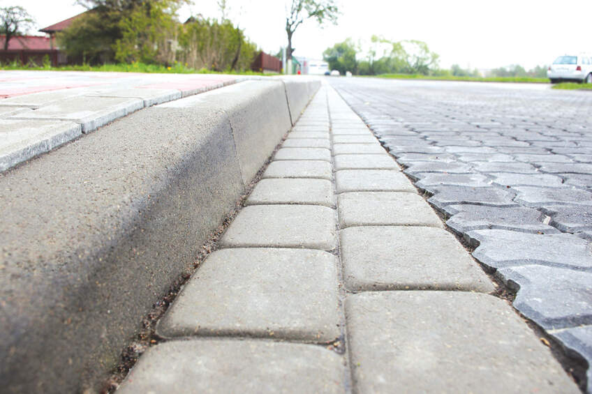 Behaton za popločavanje puteva, trotoara i prilaza