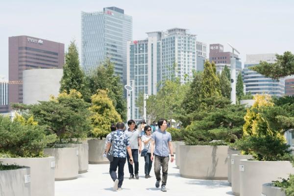 Za izradu šetališta, holandskim dizajnerima kao inspiracija je poslužio njujorški park High Line