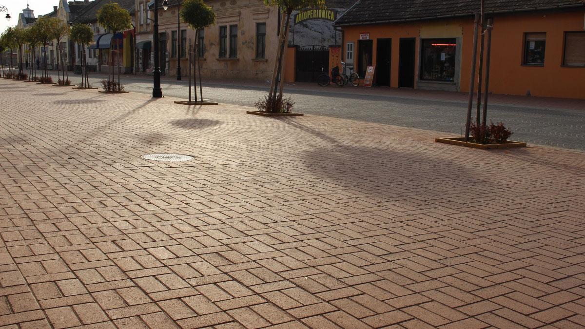 Semmelrock - Klinker podna obloga / Srbobran