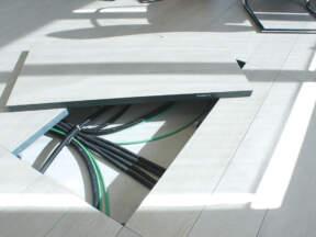 Dupli podovi u određenim strateškim tačkama imaju i takozvane revizione otvore