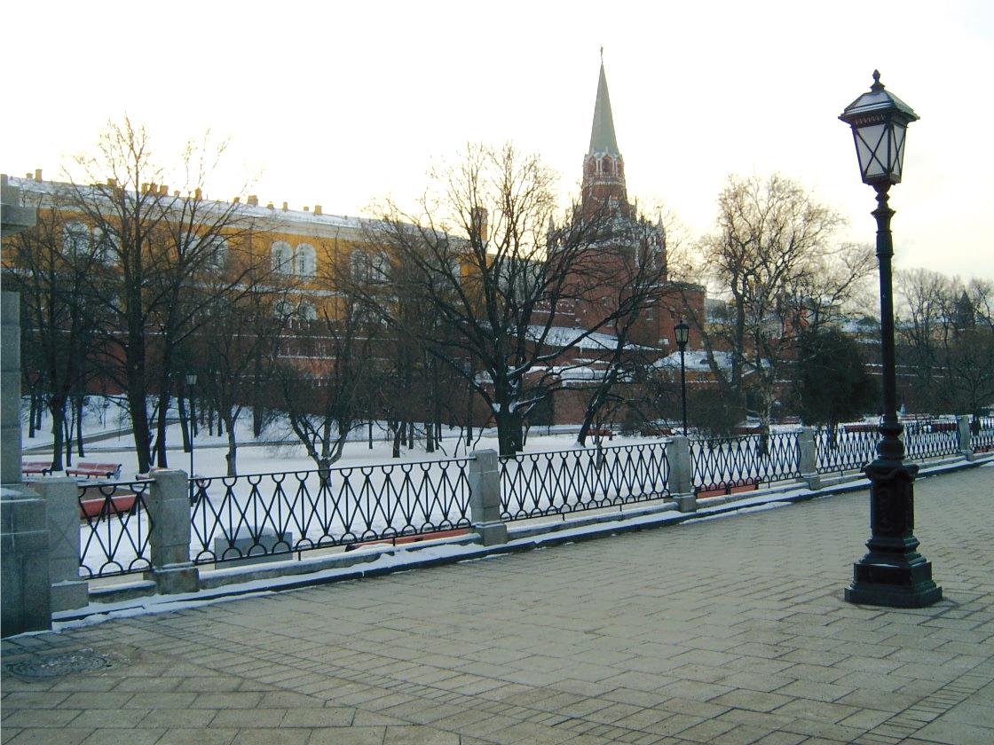 Podno grejane Manjež trga u Moskvi