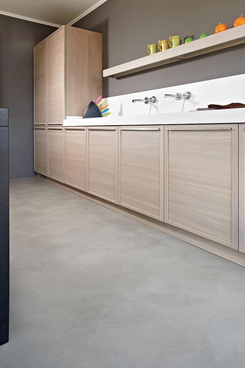 Dekorativni pod na bazi cementa u kuhinji