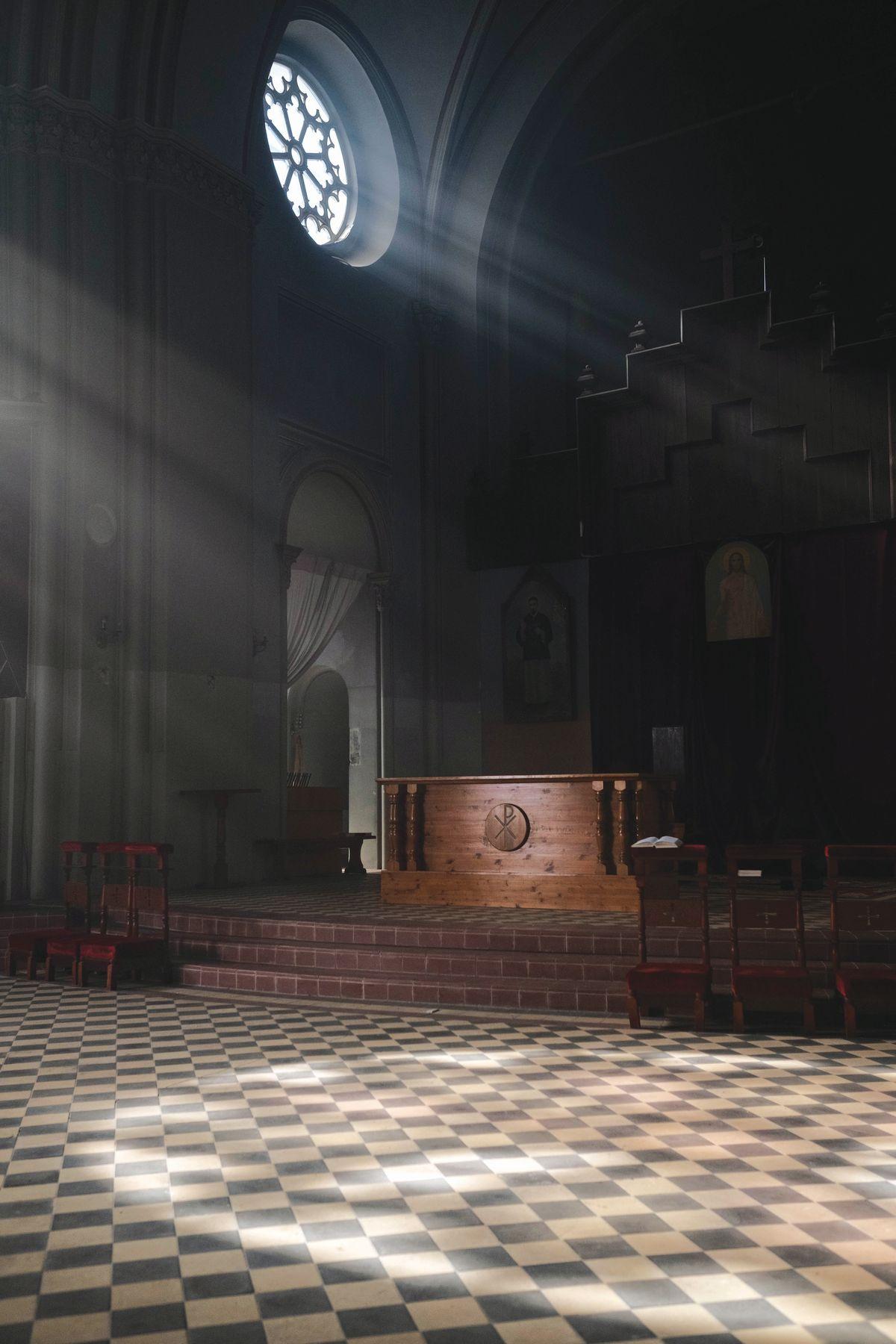 Podovi u verskim objektima