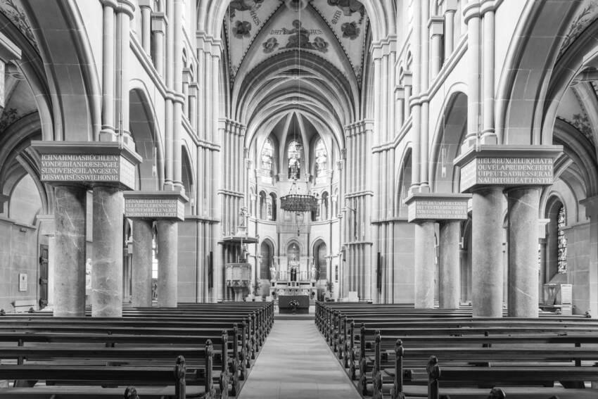 pod u crkvi